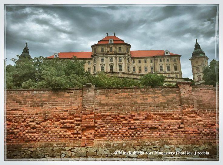 #monastery #chotesov #history #heritage #saint #santa #sculpture #architecture #česko #ceskarepublika #czechrepublic #czech #myphoto #photo #photography #photos #travel #trip #today #2017