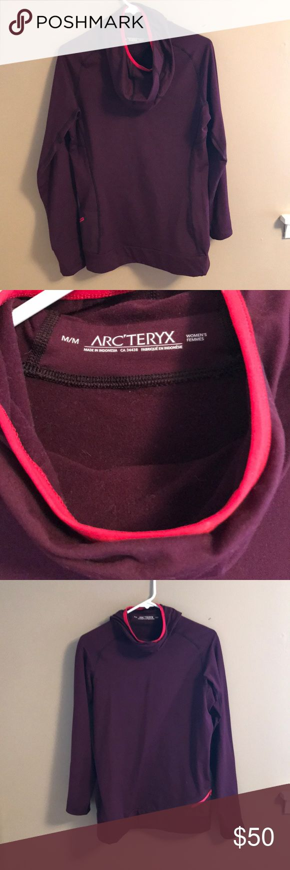 Women's cowl neck hoodie Gorgeous purple Women's Arc'teryx fleece-lined tunic. Perfect for outdoor adventures, the style is very warm. Arc'teryx Sweaters Cowl & Turtlenecks