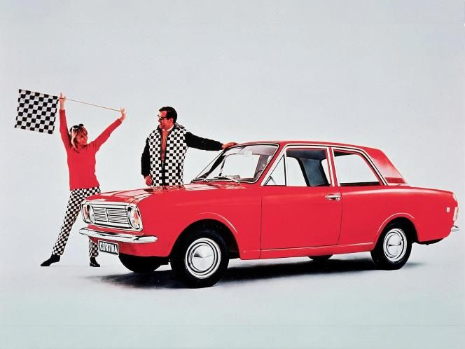 Top 25 cheap classic cars to invest in: Ford Cortina mk2 (© Ford)