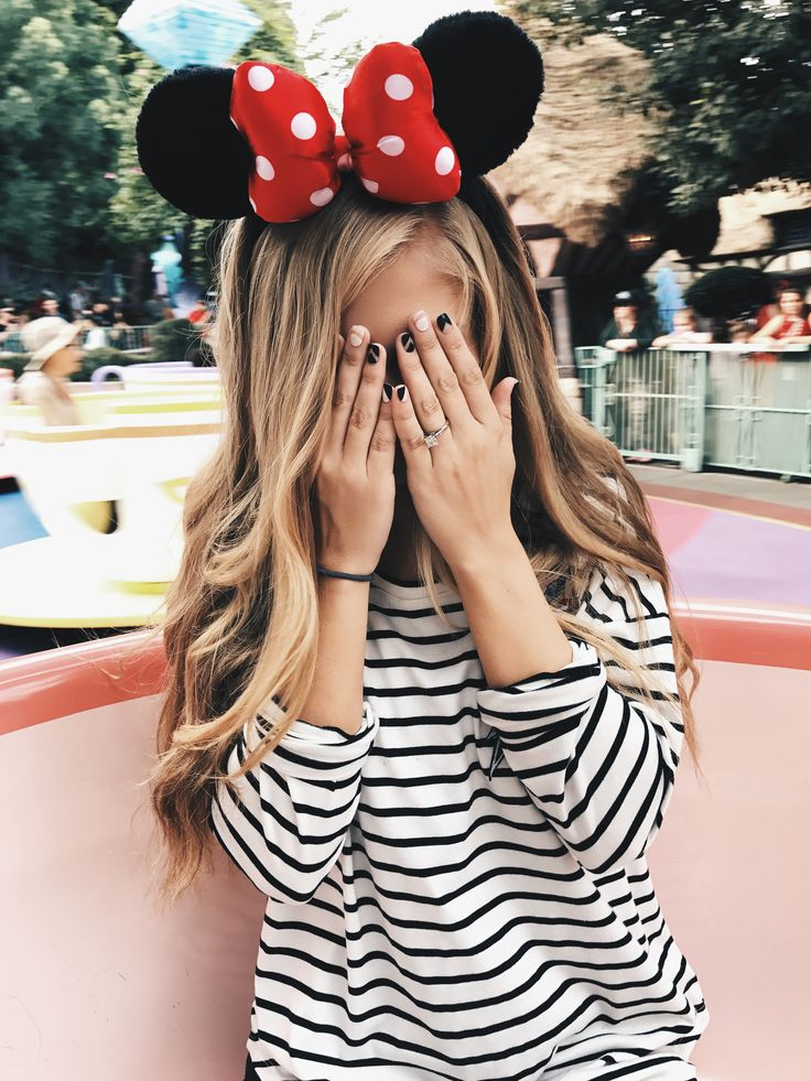 Disneyland, Disney, striped shirt, teacups, blonde, blonde hair, lifestyle Disneyland shot.