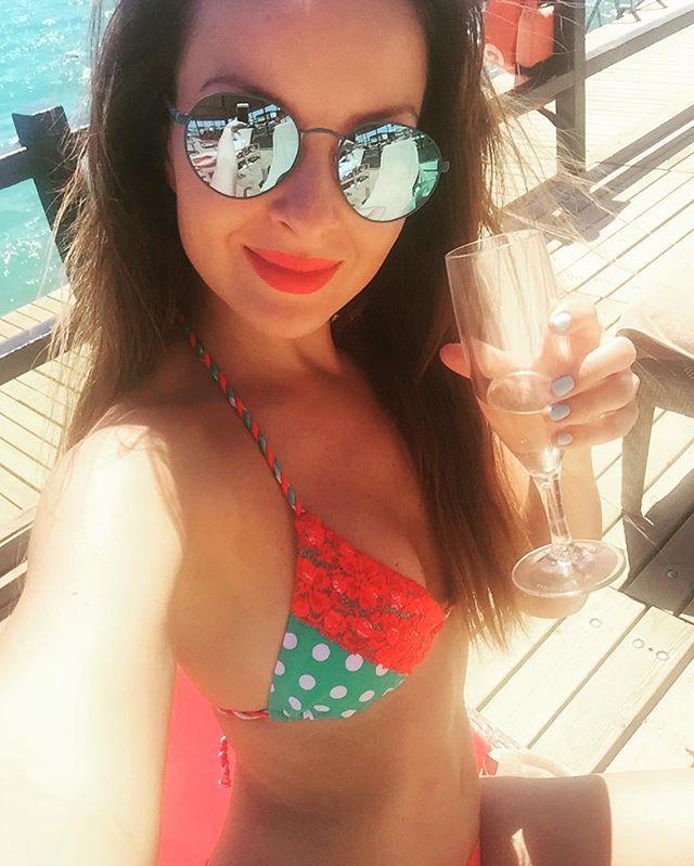 Cheers☀️ @relleciga_official #relleciga#swimwear#mania#sunglasses