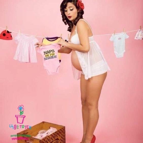 Новый тренд: «беременные» фотосессии в стиле пин-ап http://myfloret.ru/galereya/ Новые Бетти Пейдж завоевывают Pinterest, а фотографы запасаются реквизитом: красные банты, платья в горох и бельевые веревки особенно в ходу. «Беременные» фотосессии бывают разными: от классических прогулок по пляжу в свободных развевающихся платьях до кретивного разрисовывния живота, желательно папой. Тем временем, оказывается, в мире назрел новый тренд: фотосессия будущей мамы в стиле пин-ап. Один только…