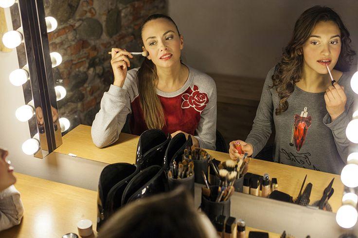 """PEPITA NIGHT & DAY F/W 2014-15 - Chicago Style: Completo in ciniglia con maglia bicolore grigio e rosso e applicazione rosa a contrasto. Pantalone in tinta unita. http://shop.pepitastyle.com/brands/chicago/velma-completo.html#.VCLR_uegOOg - Camicia da notte lunga in viscosa con stampa """"Total attraction"""" e balza in pizzo  #night&day #fallwinter #fashion #stylish #rose #chicago"""