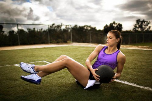 : Russian Twist, Fitness, Work Outs, Exercise, Alexmorgan, Alex Morgan, Workout, Alex O'Loughlin