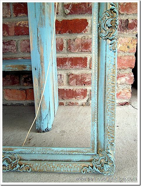 Distressed Aqua Blue Tutorial: Blue Frames, Blue Tutorials, Aqua Blue, Distressed Aqua, Diy Antiques Pictures Frames, Petticoats Junction, Antiques Frames Diy, Diy Projects, Feelings Aqua