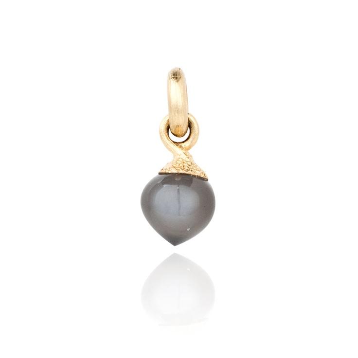 Ole Lynggaard - Dew Drops Grey Moonstone Cabochon Yellow Gold Charm - A2633-401