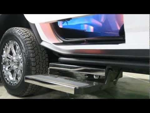 White Super Stretch Hummer 20 Seater