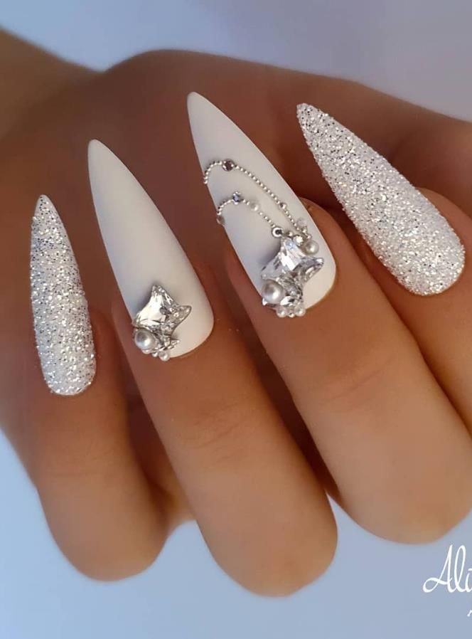 68 Beautiful Stiletto Nails Art Designs And Acrylic Nails Ideas 2020 Lily Fashion Style In 2020 Stiletto Nails Stiletto Nail Art Stilleto Nails