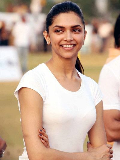 Deepika Padukone! 7 Pics Showing Her Natural Beauty