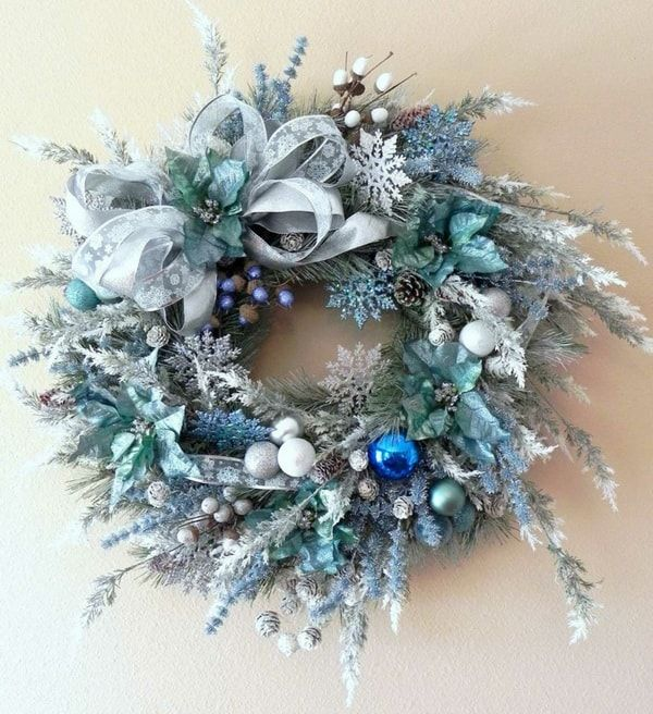#Corona #navideña en tonos azules
