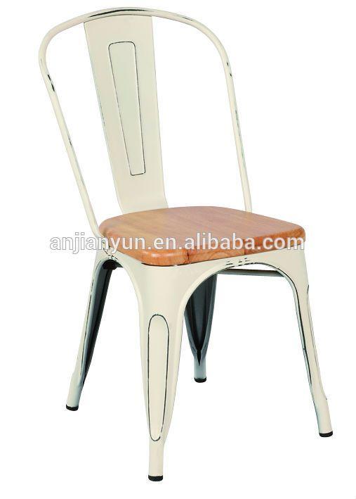 25 beste idee n over vintage metalen stoelen op pinterest vintage metaal metalen krukje en - Stoelen tolix ...