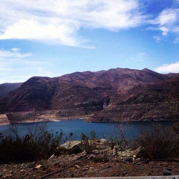 Embalse camino al Valle del Elqui, IV región Chile