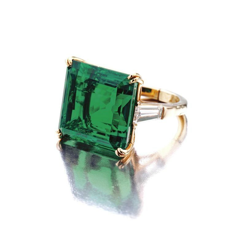 Superb 18.54 carats Colombian emerald and diamond ring, Van Cleef & Arpels, New York, 1968.  Sold 1,888,000 USD