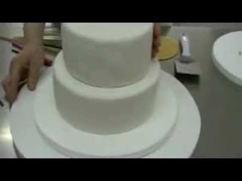Cómo Montar y Asegurar Un Pastel De Pisos Muy Fácil !! - Madelin's Cakes - YouTube