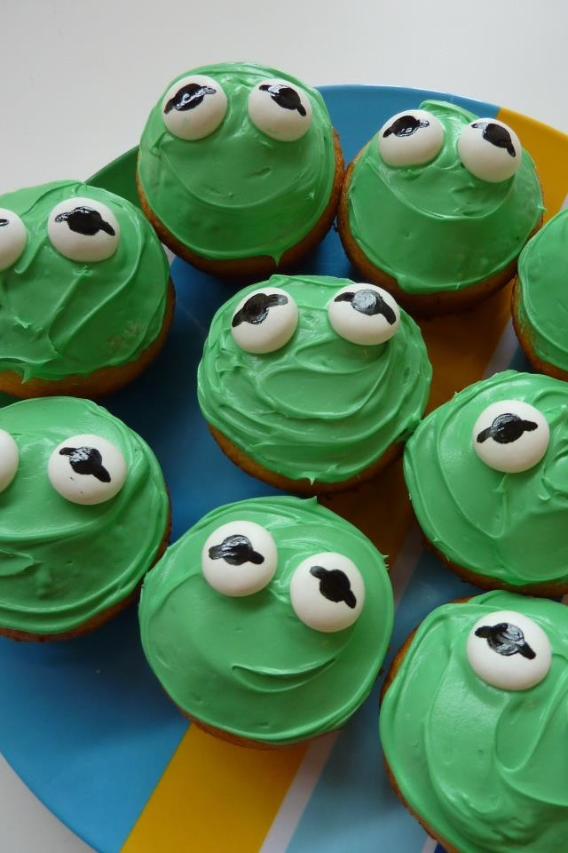 """Kermit the Frog cupcakes for """"Muppet Show""""-themed birthday party. Paint edible ink onto Mentos for the eyes -- @Rachel Z"""