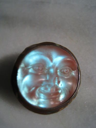 Antique-Victorian-saphiret-man-in-the-moon-face-Czech-glass-brooch-disc-rare
