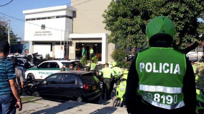 Diario En Directo: Urgente ! Colombia: 7 agentes muertos y decenas de...