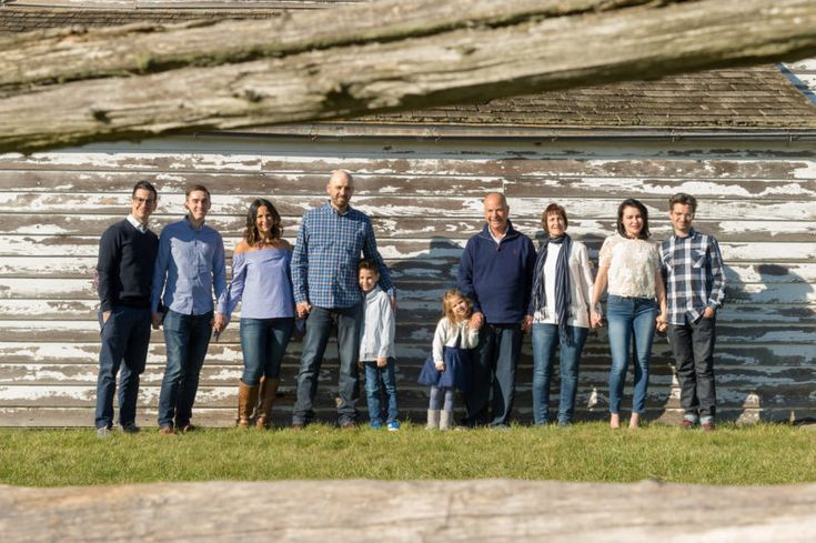 Families are constantly looking for fresh backgrounds to stand out from past photographs they have. Although many want the same year after year, and that's ok too. Luckily there is a beautiful location right near my house which has two old houses. One has lighter tones with worn out white and grey wood walls. The…  http://scottwyden.com/unusual-backgrounds?utm_content=buffer2a852&utm_medium=social&utm_source=pinterest.com&utm_campaign=buffer
