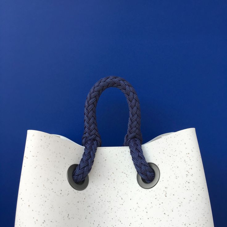 Sinking into the Aegean Sea. EvaPack cork flakes, with blue sailing rope. Made for the summer.  #bag #design #womansfashion #style