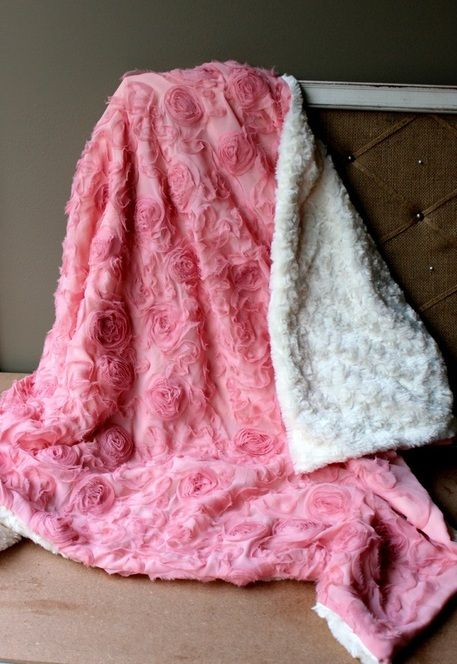 DIY Rosette & Minky Baby Blanket - My Mom Taught Me To Play With My Food
