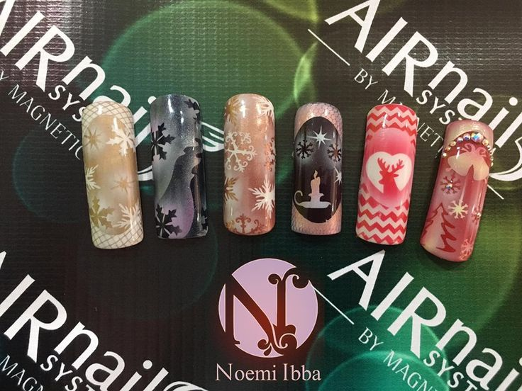Christmas Nail Art with Airnails by Noemi Ibba