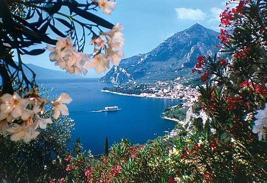 Limone, Lago di Garda, Italy...summer of my sweet 16!