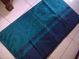 Kain troso adalah kerajinan rumah tangga sebagian besar warga desa troso kabupaten Jepara. Salah satu mata pencarian waga Troso adalah produksi kain tenun, salah satu produk yang dihasilkan adalah kain motif baron ini. kain baron ini adalah kain yang terbuat dari benang csm berkualitas sehingga menghasilkan kain yang berkualitas juga.