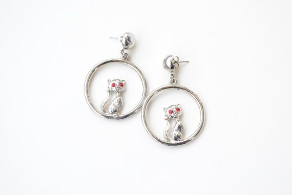 Vintage Cat Earrings Silver Dangle Earrings with by SoulSisters16