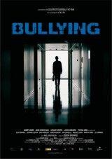 CINE(EDU)-838. Bullying. Dir. Josecho San Mateo. Drama. España, 2009. Jordi é un adolescente que cambia de cidade xunto coa súa nai para iniciar unha nova vida. Pero o destino resérvalle unha cruel sorpresa, cando traspasa as portas do seu novo instituto, cruza sen sabelo a tenebrosa fronteira do mesmo inferno.  http://kmelot.biblioteca.udc.es/record=b1522680~S1*gag http://www.filmaffinity.com/es/film391436.html