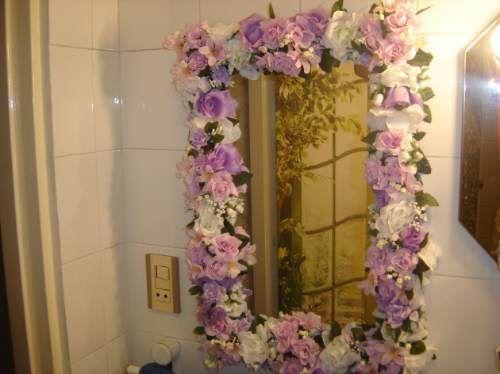 Espejo con hermosas flores en tonalidad violeta espejos for Espejos ovalados para decorar