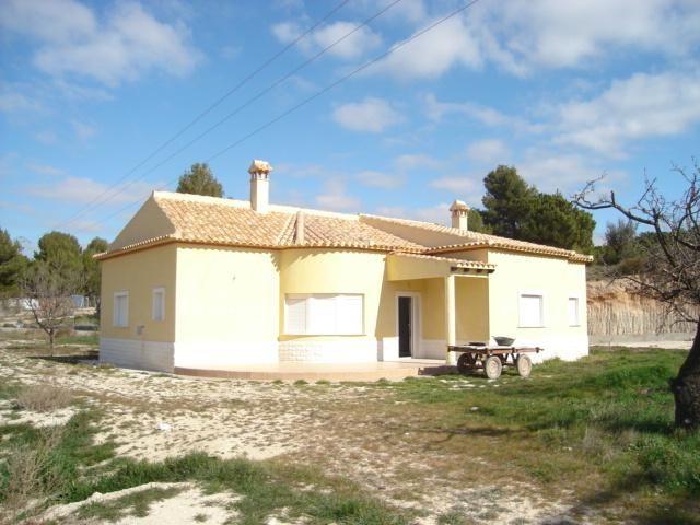 Ref 967  Urbanización Finca Terol (Nr. Tibi) -   New Three Bed/Three Bath Villa plus Adjoining Plot of Land