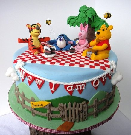 Hugo Cake Artist : 17 Best images about Pooh Bear cake on Pinterest Tree ...