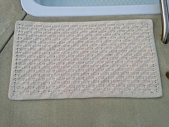 Simple Cotton Rug, free pattern by Kathy Lashley . . . ღTrish W ~ http://www.pinterest.com/trishw/ . . . #crochet #bath_mat
