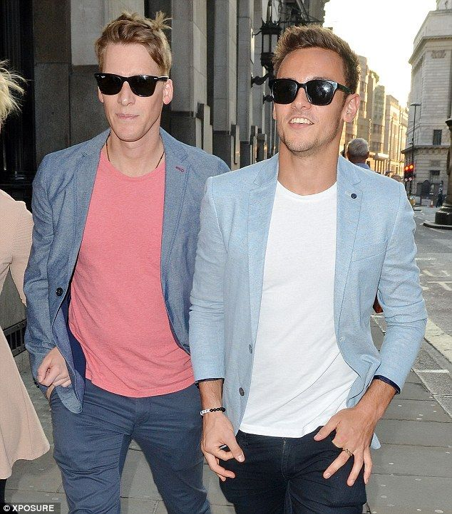 Tom Daley and boyfriend Dustin Lance Black wear matching outfits for night out in London.  Read more: http://www.dailymail.co.uk/tvshowbiz/article-2706725/Tom-Daley-boyfriend-Dustin-Black-wear-matching-outfits-night-London.html#ixzz3l8eg5Q68  Follow us: @MailOnline on Twitter | DailyMail on Facebook