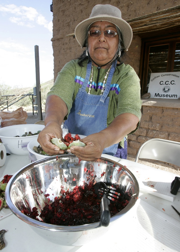 tohono o odham religion and rituals Tohono o'odham religion and rituals december 02, 2013 tohono o'odham religion and rituals himdag is a tohono o'odham word that translates to way of life the eight elements of religion are found throughout the tohono o'odham past and present cultural beliefs.