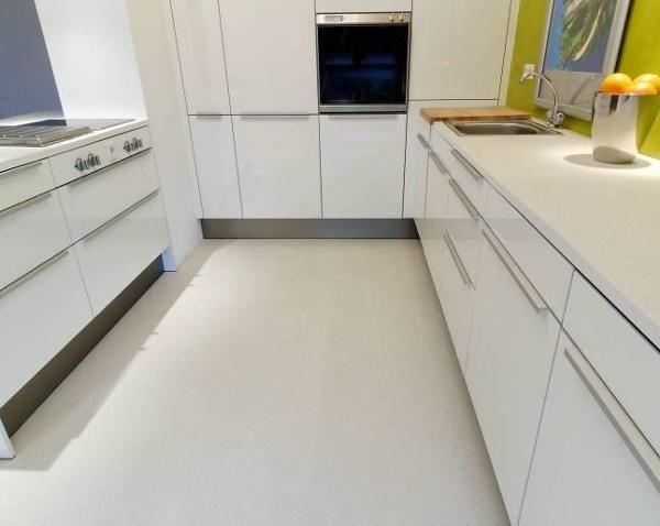Fotografia de Cimento queimado branco polimérico 3 por Qualità Construção e Reformas  #657244.
