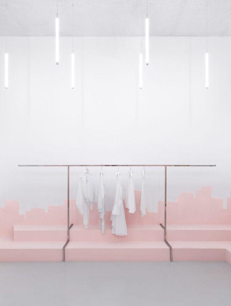 Best 25 retail store displays ideas on pinterest retail for Couchtisch design inside art aluminium splendeur
