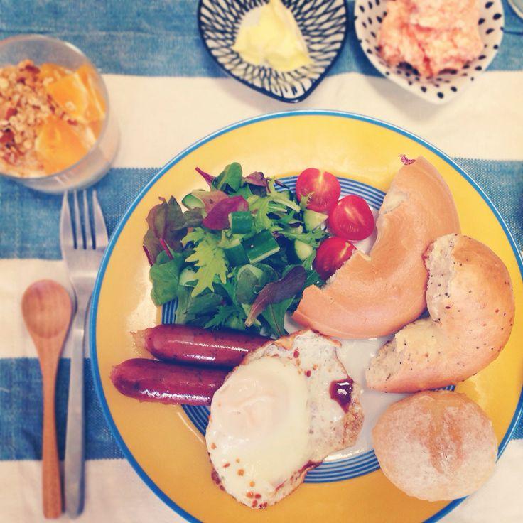 コストコのベーグルで朝食を。 Breakfast
