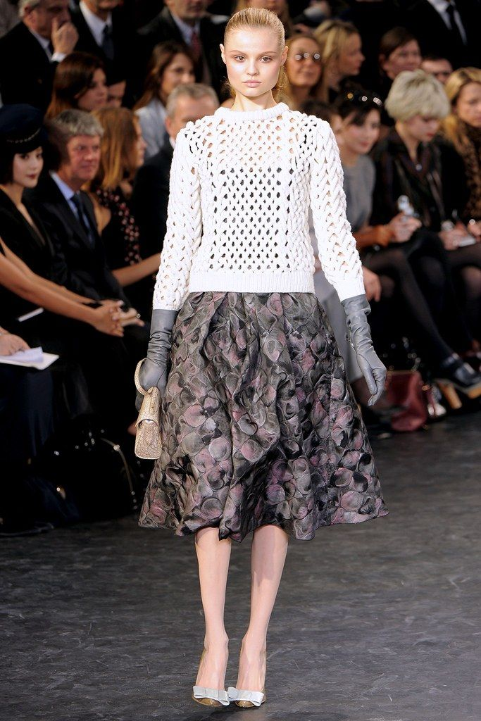 Louis Vuitton Fall 2010 Ready-to-Wear Fashion Show - Magdalena Frackowiak