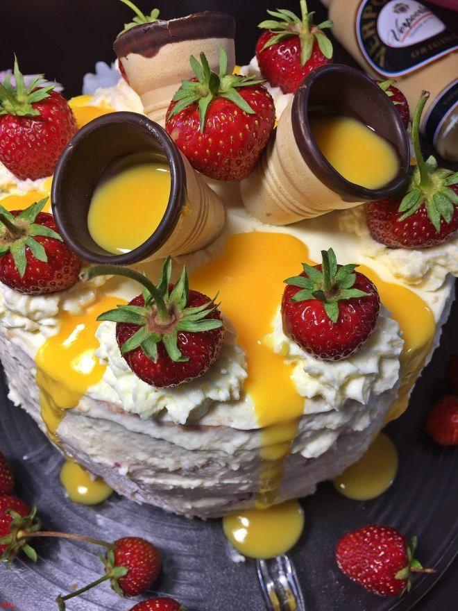 Erdbeer-Eierlikör-Torte (27)   – Torten