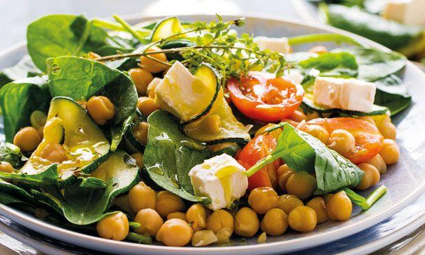 Receita de salada de grãos com legumes salteados, simples e fácil de preparar.Pode servir como prato principal ou acompanhamento de uma deliciosa refeição.