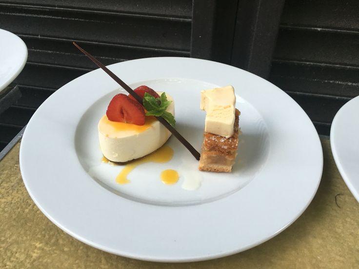 Cheese cake combained with apple pie little bit vanila ice cream