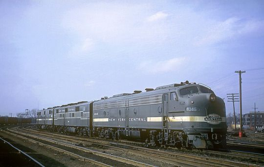 NYC E8 4046 by Chuck Zeiler on Flickr.  New York Central Railroad E8 4046 at Englewood, on the south side of Chicago, Illinois on April 11, 1965. Kodachrome by Chuck Zeiler.