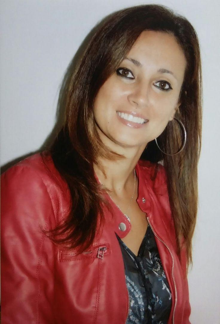 INTERVISTA A ADRIANA FABOZZI http://lindabertasi.blogspot.it/2017/03/intervista-adriana-fabozzi.html