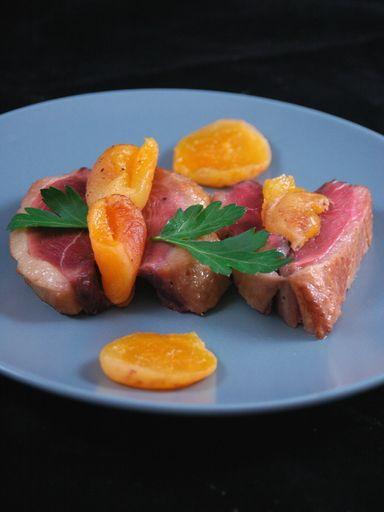 Recette de Rôti de magret ou filet de canard aux abricots secs