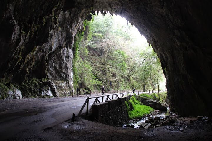 Cueves, Asturias