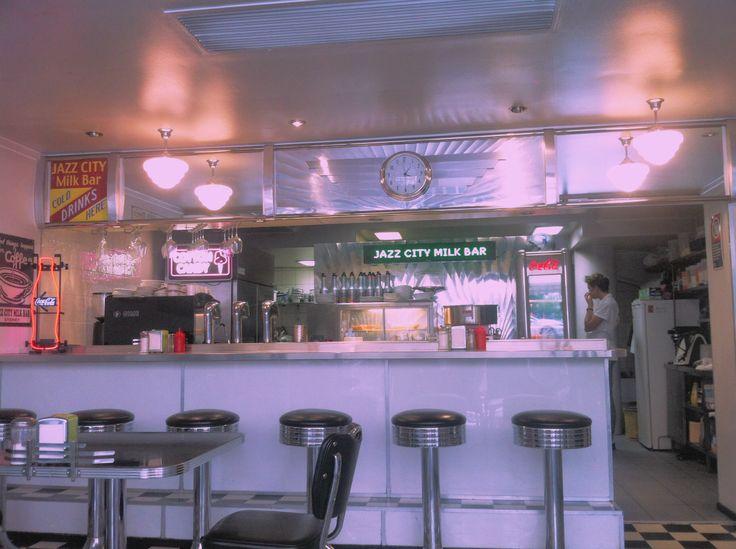 Jazz city milk bar || lola Irwanto