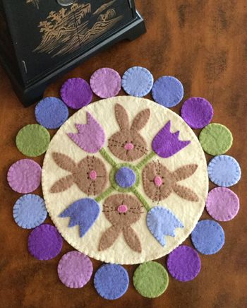 Penny Rugs. wool felt, wall hanging, pennyrug, pattern, Cleo And Me Patterns