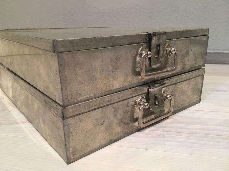 Vintage Tische - 2 alte Bank Schließfach Kassetten No11*MID CENTURY - ein Designerstück von Mid-Century-Frankfurt bei DaWanda