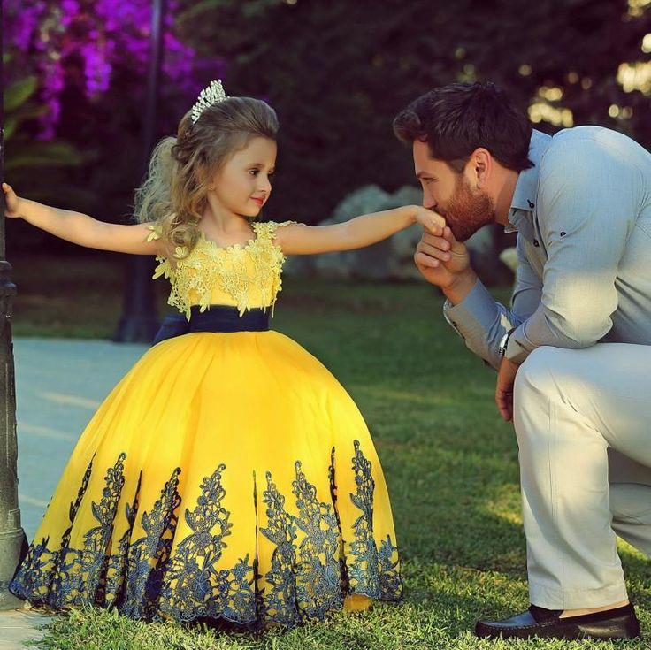 Royal Blue Flower Girl Dresses New Dubai Girl'S Pageant Dresses Yellow Blue Lace Appliques Bow Sash Ball Gown Glamorous Kids Pageant Dress Flower Girls' Gowns For Wedding Pageant Dresses 2015 From Amgambridal, $92.15  Dhgate.Com